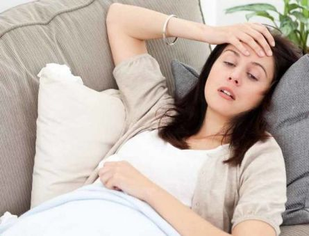 Что это за болезнь, когда жжение в гортани, постоянные запоры, непереносимость холода, нервозность и пр.?