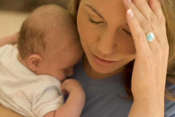 Проблемы со щитовидкой после родов: симптомы и лечение послеродового тиреоидита
