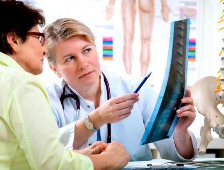 Почему развивается и чем опасен остеопороз: признаки, диагностика и лечение заболевания