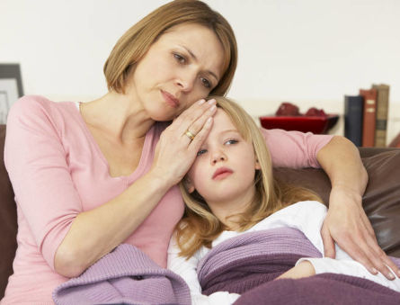 С чем связан повышенный ацетон у ребенка? И что предпринять?