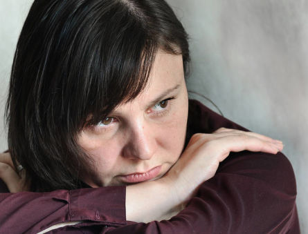 Как проявляется сбой гормонального фона у женщин?