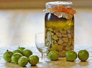Настойка из грецких орехов